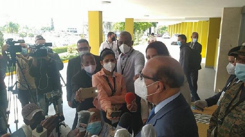 Castaños Guzmán a su llegada a la JCE.