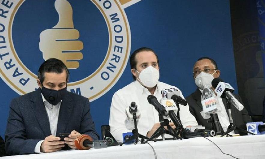 José Ignacio Paliza y Orlando Jorge Mera, miembros del PRM en rueda de prensa. (Fuente: José Alberto Maldonado/LD)