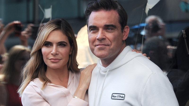 Robbie Williams y su esposa.