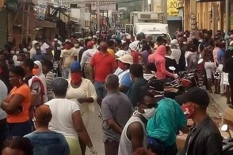 MSP establece medidas sanitarias a bares, colmados y restaurantes; deberán cerrar a las 8:00 de la noche