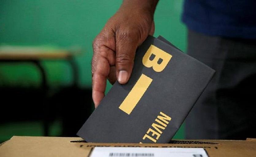 Cierran colegios electorales tras 10 horas de votación.
