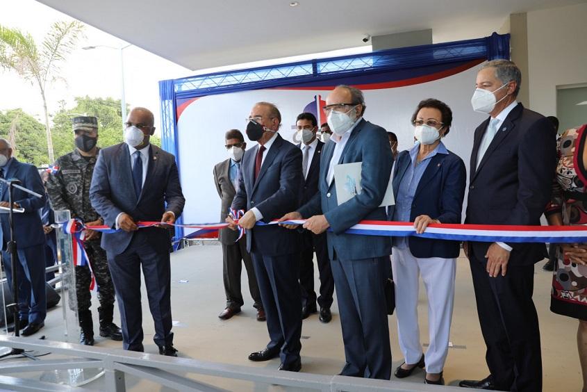 Presidente Danilo Medina inaugura hospital en Monseñor Nouel.