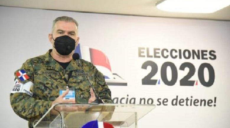 Policía Electoral ocupa 16 armas próximo a colegios electorales.