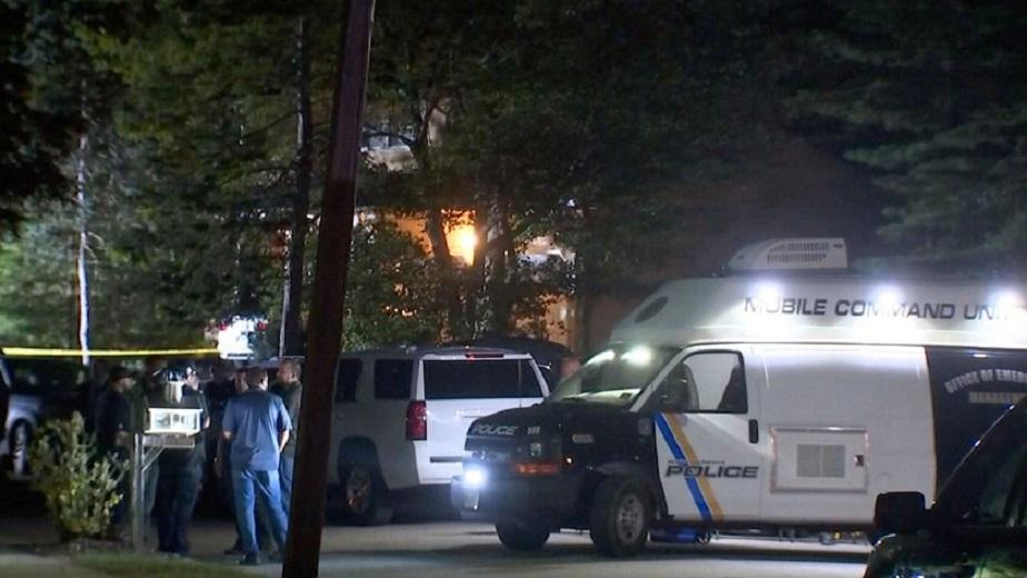 Asesinan a tiros al hijo de la jueza Esther Salas en su casa en Nueva Jersey.