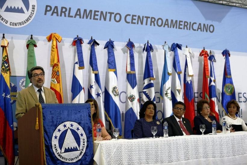 El PRM saca mayoría en el Parlacen.