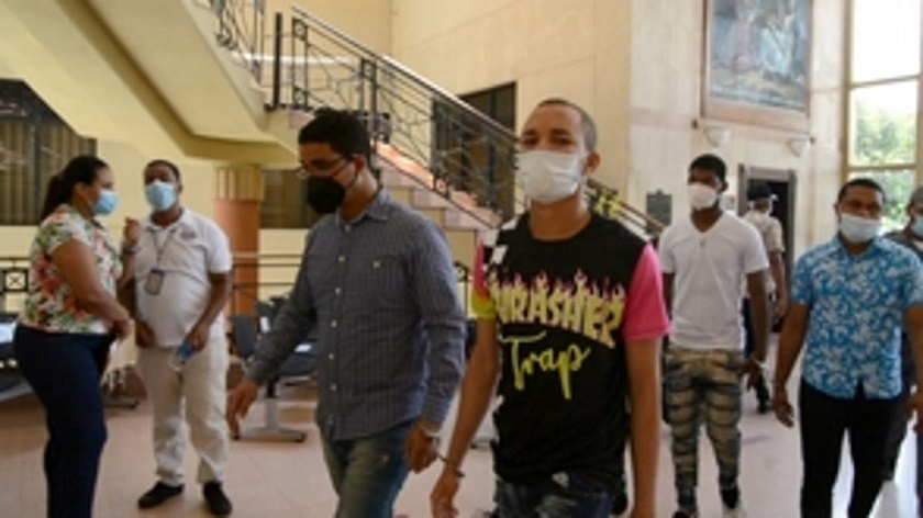 Un año de coerción a implicados en robo de Junta Electoral de Santiago.