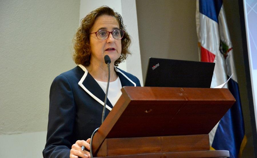 La representante de UNICEF en la República Dominicana, Rosa Elcarte.