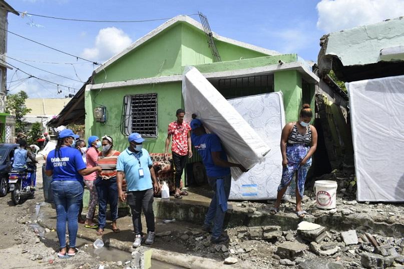 Plan Social ayuda familias afectas por tormenta en Hato Mayor.