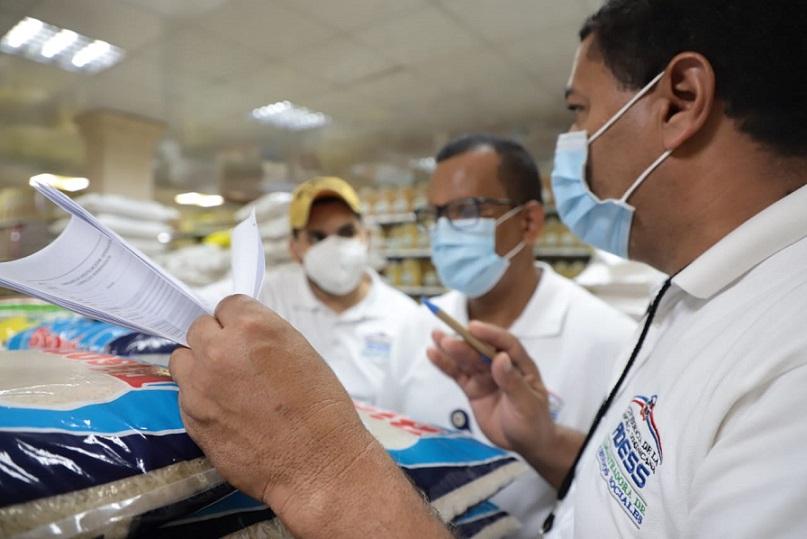 ADESS supervisa irregularidades en comercios.