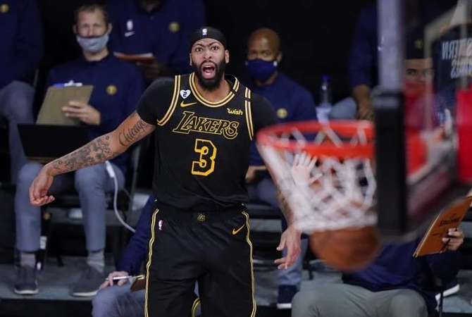 NBA: Lakers vencen a Denver con triple de último segundo de Davis