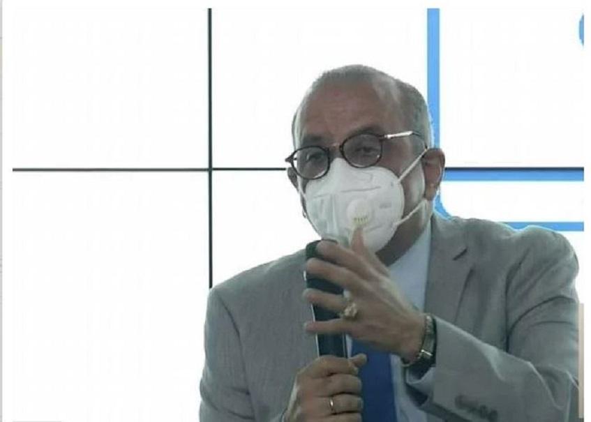 Plutarco Arias, ministro de Salud, en rueda de prensa.