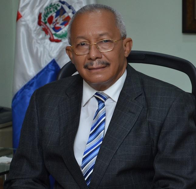 Salvador Ramos gestiona programas para ONAPI.