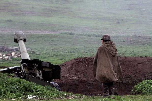 Rusia pide parar enfrentamientos entre Azerbaiyán y Armenia.