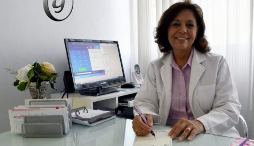 La doctora Emma Guzmán de Cruz en su consultorio. (Fuente: externa)