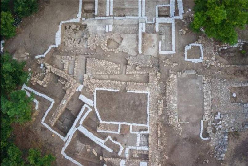 Arqueólogos descubren razones de abandono de un palacio.