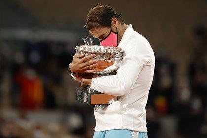 El 'Monstruo de Arcilla' demolió a Djokovic