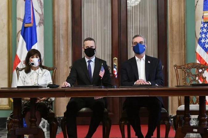 Gobierno firma acuerdo con EE.UU. para acceder US$ dos mil millones