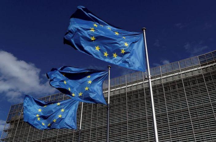 """La UE dice que """"se acaba el tiempo"""" e insta a aprobar medidas que eviten nuevos cierres"""