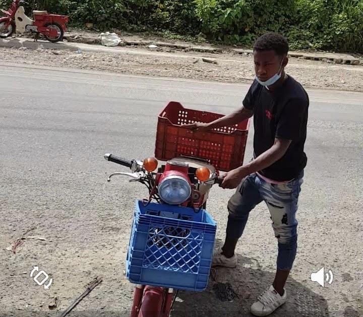 Acusan delivery de robarse dinero de mini market.