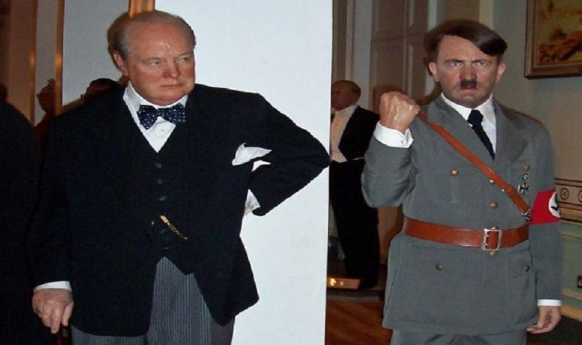 Figuras de cera de Winston Churchill y Adolf Hitler en el museo Madame Tussauds de Londres. (Fuernte: Wikimedia commons)