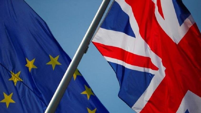 Banderas de Gran Bretaña y la UE en Berlín. (Fuente: Reuters)