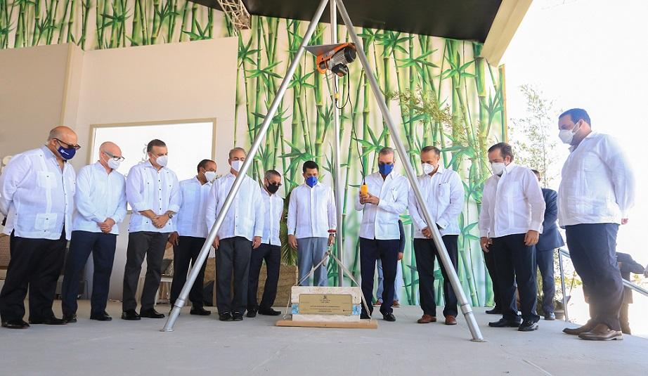 Presidente Abinader encabeza inicio de obra en Punta Cana.