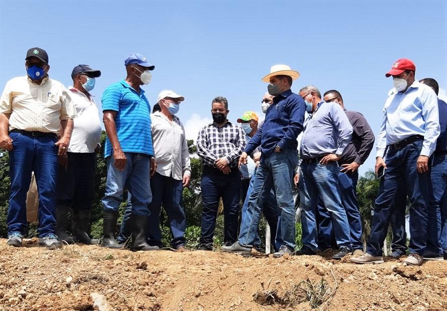 Gobierno ayudará productores de la región Este.
