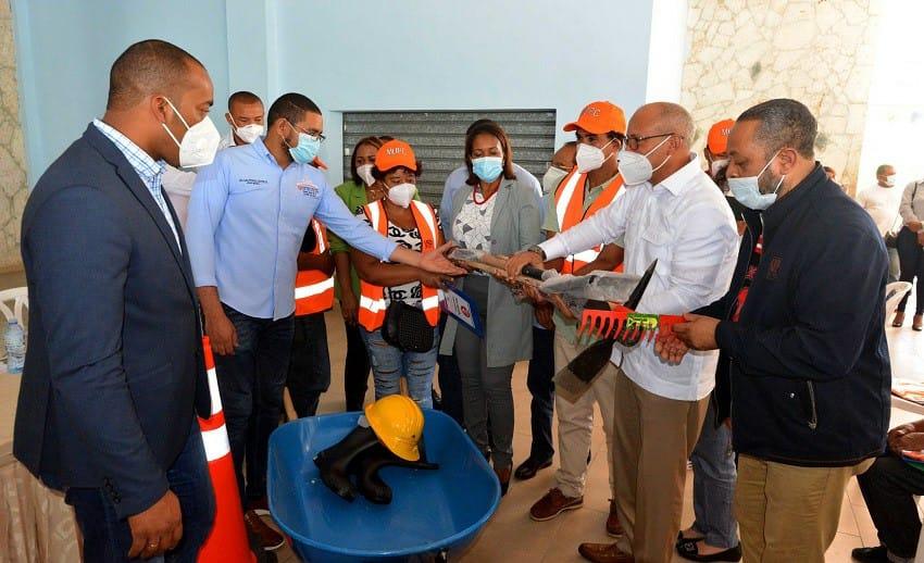 Gobierno genera 400 empleos en El Seibo.