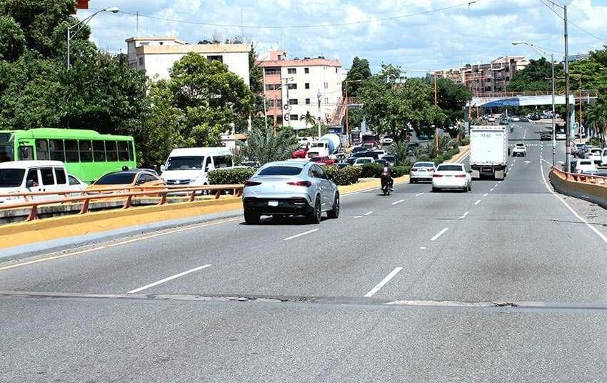 Obras Públicas dará mantenimiento a puente Quinto Centenario.