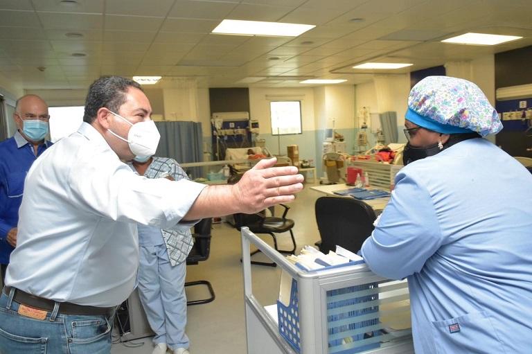 Director SNS recorre hospitales.