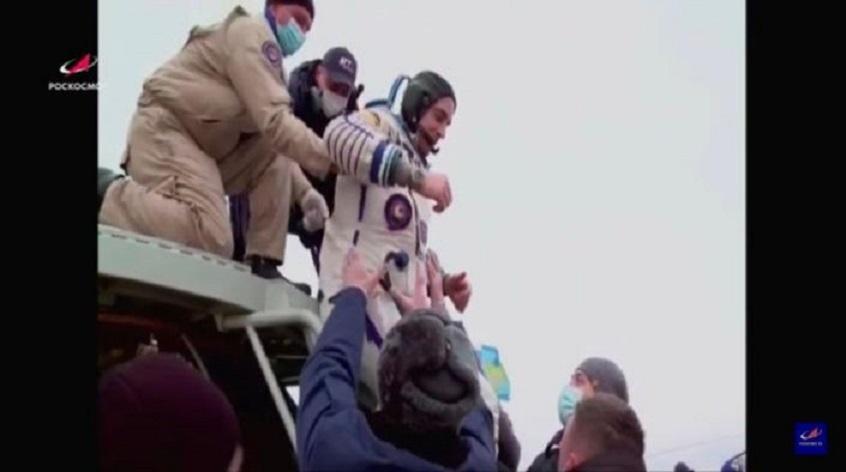 La nave Soyuz MS-16 regresa con éxito a la Tierra