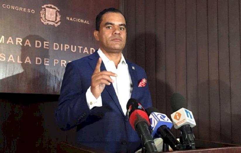 Elías Báez, diputado del PRM.