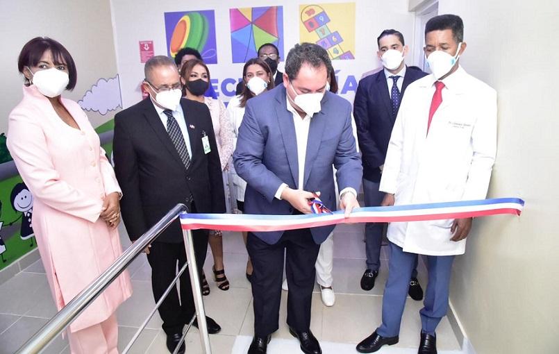 SNS inaugura área COVID-19 para niños en Hospital Robert Reid.