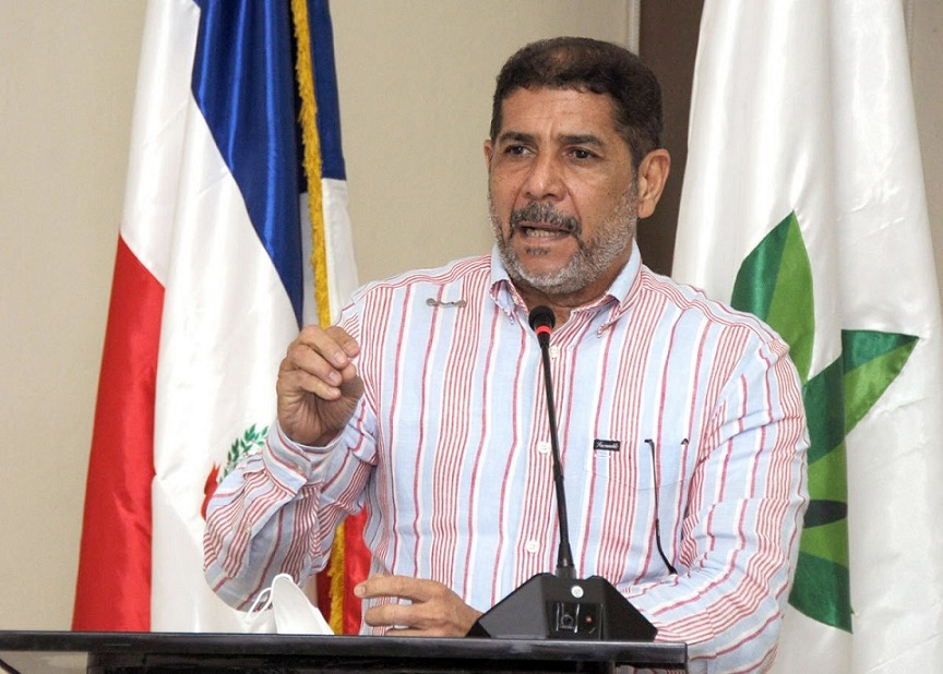 Ministro Cruz dispone reposición técnicos cancelados de Agricultura.
