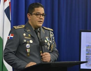Miguel Balbuena Álvarez realiza declaraciones durante rueda de prensa.