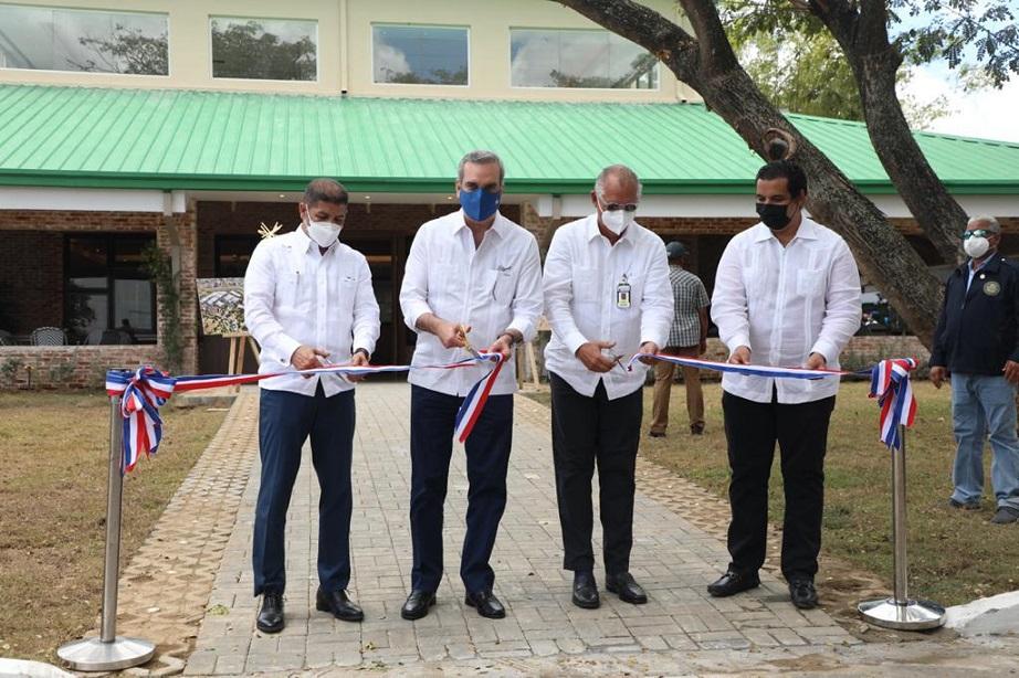 Presidente Abinader encabeza inauguración Villas Codevi.