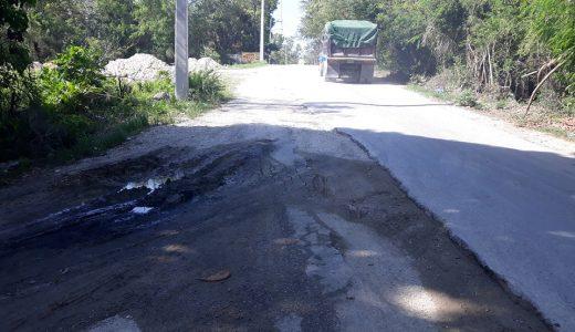 Vehículos pesados que transitan por esa zona aceleran el deterioro de la Carretera Sánchez.
