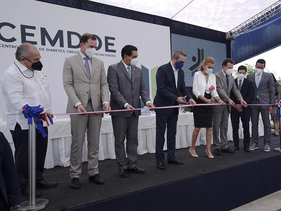 Presidente Abinader inaugura CEMDOE.