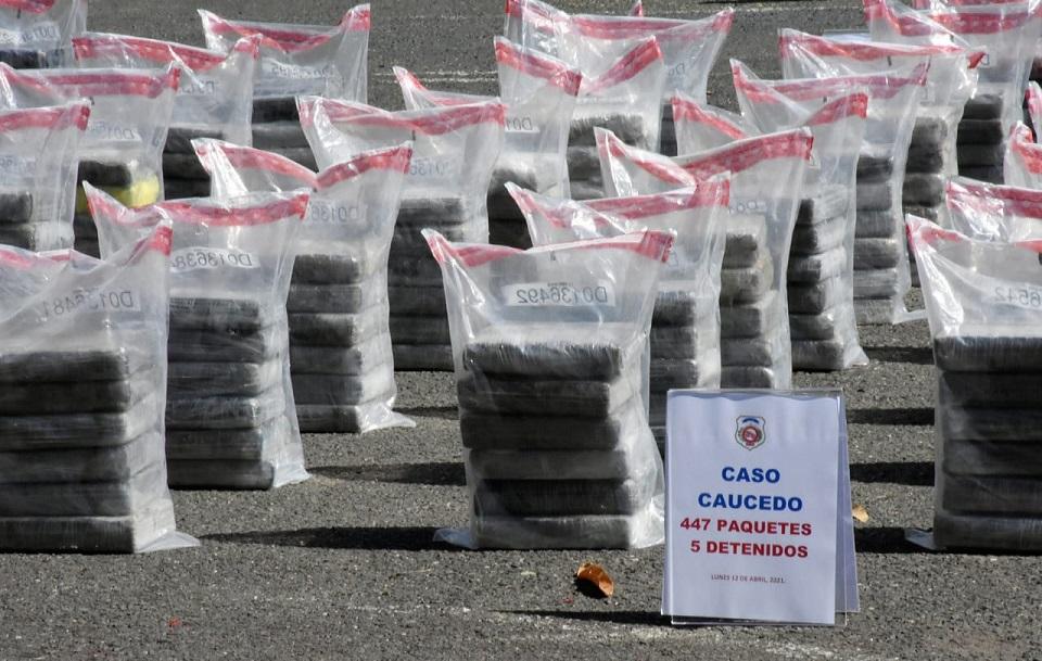 DNCD ocupa paquetes de cocaína en Puerto Caucedo.