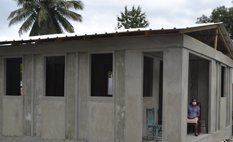 Hábitat construye viviendas a bajo costo en RD.