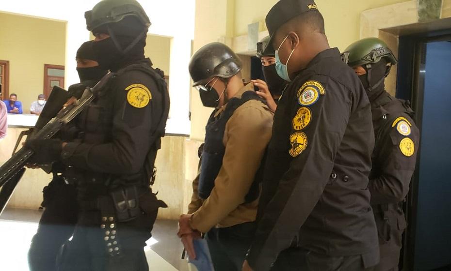 Argenis Contreras es trasladado a audiencia por muerte Yuniol Ramírez.