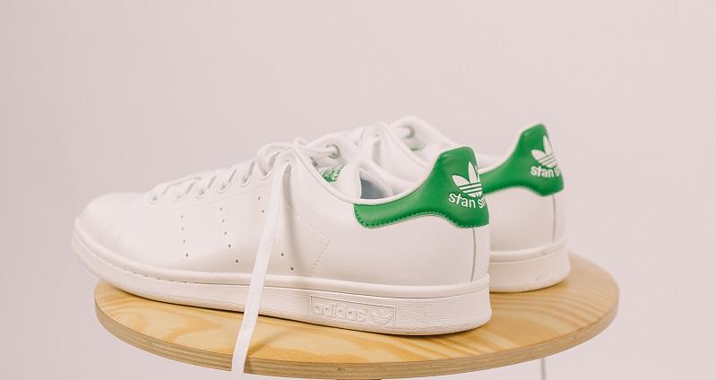 Adidas lanza colección de calzados Stan Smith Forever.