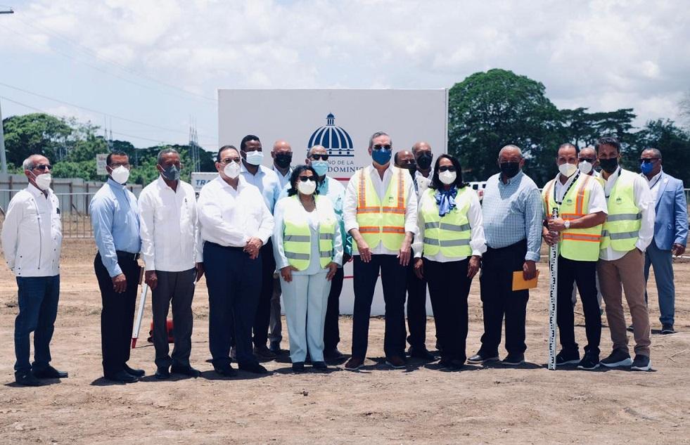 Abinader reinicia trabajos construcción filial UASD en Hato Mayor.