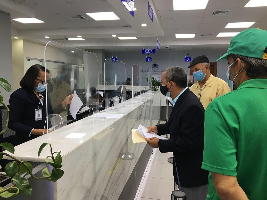 ALPAIS solicita a Ministerio de Hacienda informe de recaudación US$10.00 tarjeta de viaje.