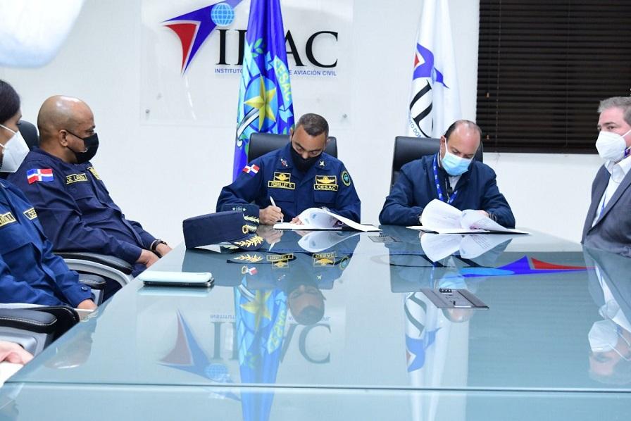 CESAC e IDAC suscriben acuerdo.