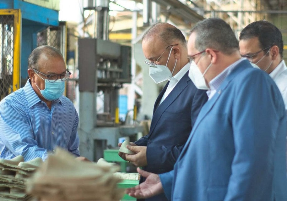 Director Proindustria recorre parque industrial de Esperanza.
