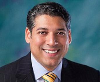 ADLA designa Víctor Pacheco director ejecutivo.