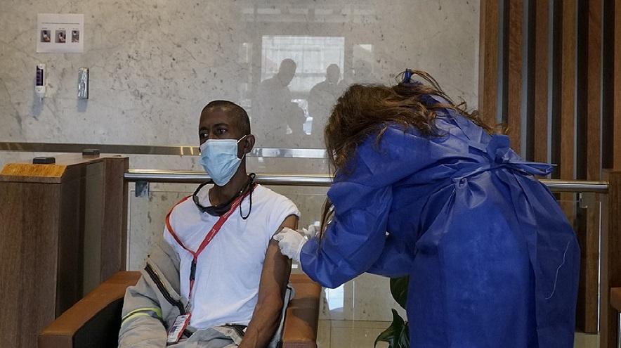 Refidomsa realiza jornada de vacunación contra el coronavirus.