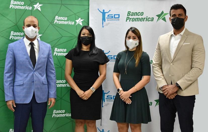 Banco Promerica y Santo Domingo Corre suscriben acuerdo.