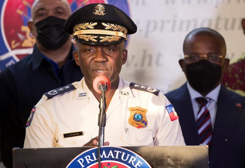 Leon Charles jefe de Policía de Haití.